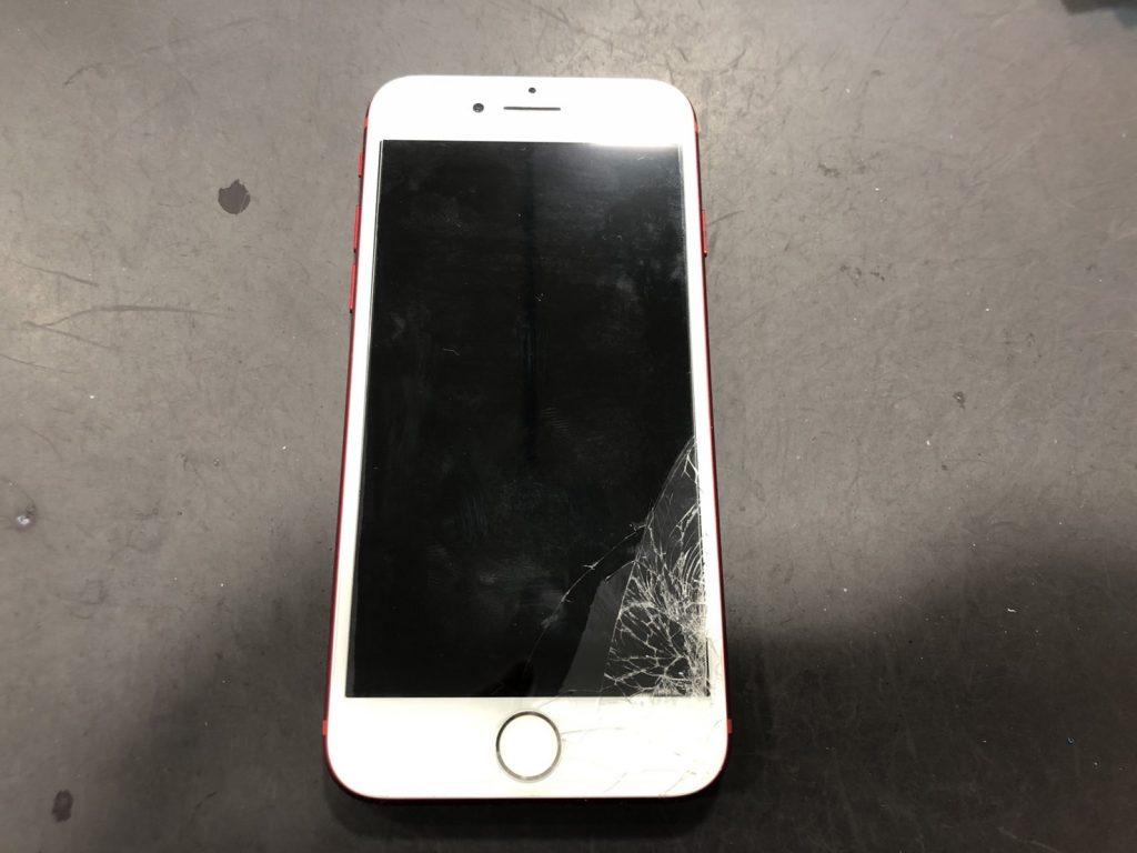 iPhone7 画面にヒビ